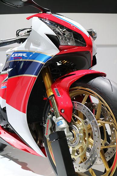 2015 Honda Cbr1000rr Sp Repsol Review Specs Pictures Videos