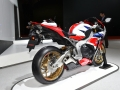 2016 CBR1000RR SP Fireblade Review / Specs / HP TQ / Price / Brembo Brakes / Ohlins Forks Suspension