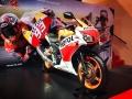 2016-honda-cbr300r-repsol-sport-bike-motorcycle-cbr-300-cc-4