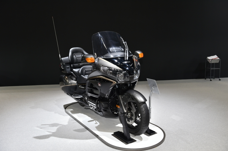 & 2016 Honda Gold Wing Review / Specs - 1800cc Touring Motorcycle azcodes.com