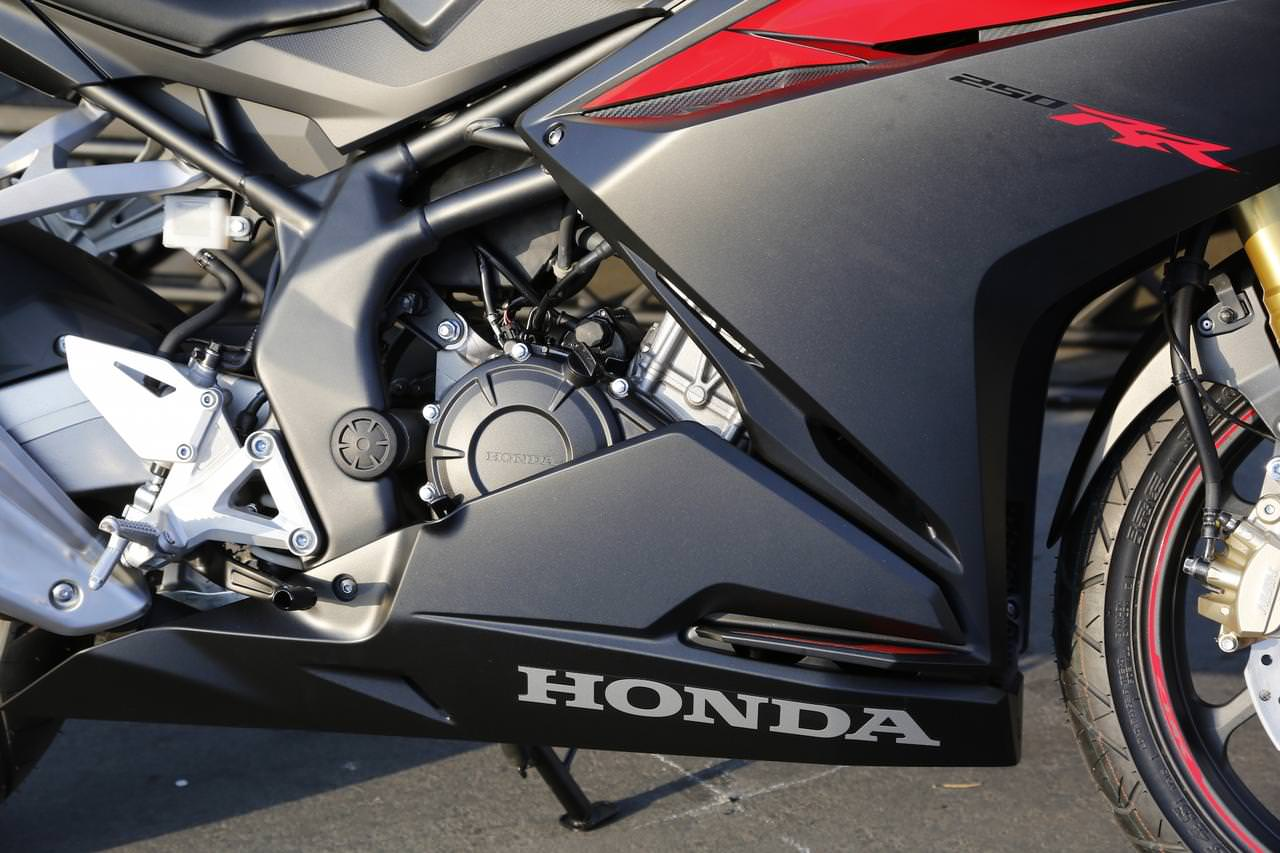 2017 Honda CBR250RR Review of Specs & Features + Pictures & Videos!
