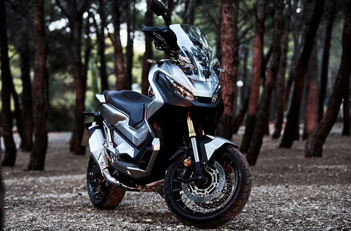 2017 honda x adv dct detailed review of specs all new eicma 2016 motorcycle news. Black Bedroom Furniture Sets. Home Design Ideas
