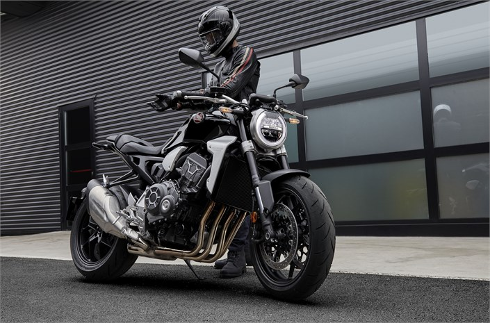 2018 Honda CB1000R Ride | Review / Specs - Naked Sport Bike StreetFighter Motorcycle