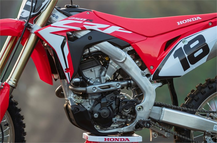 NEW 2018 Honda CRF250R Review of Specs & Changes + R&D