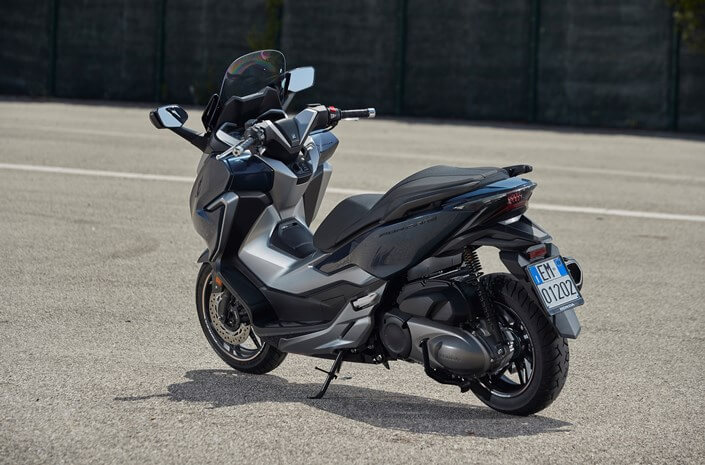 honda forza  review  specs   cc scooter buyers guide honda pro kevin