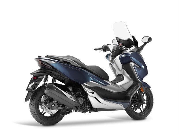 Honda Forza 300 Deluxe >> 2018 Honda Forza 300 Review Of Specs New Changes 300cc Scooter
