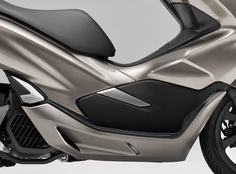 2019 Honda PCX150 Scooter Buyer's Guide / Review