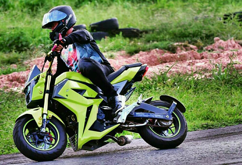 Honda Grom Specs >> 2017 Honda MSX125 Review of Specs + NEW Changes! | Motorcycle News from EICMA 2016! | Honda-Pro ...