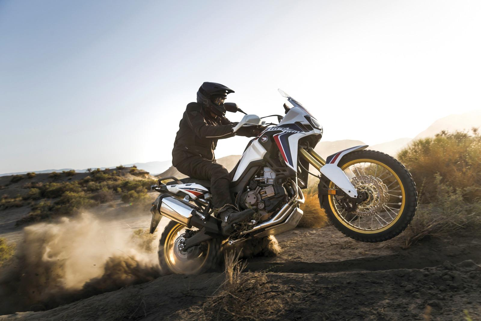Honda Africa Twin CRF1000L Pictures | 2016 Motorcycles / Photo Gallery