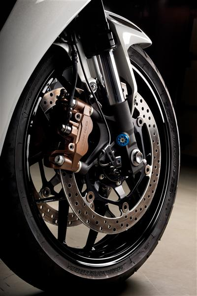 2016-honda-cbr1000rr-suspension-frame-chassis-sport-bike-motorcycle-wheels-brakes-rotors-supersport- (1)