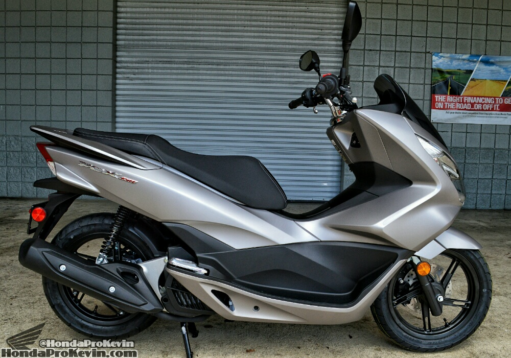 2016-honda-pcx-150-scooter-review-mpg-price-pcx150