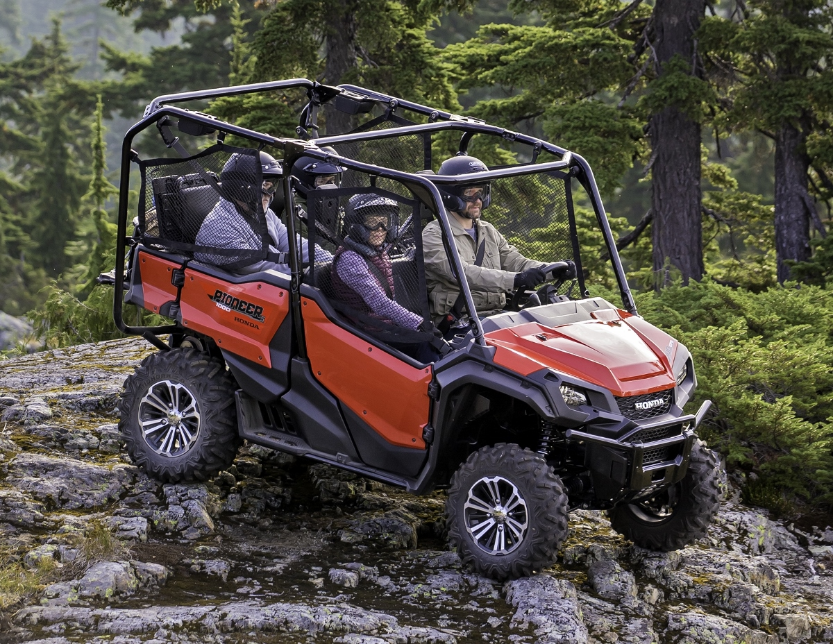 Detailed 2016 Honda Pioneer 1000 Review of Specs / Videos / Pictures |  Honda-Pro Kevin