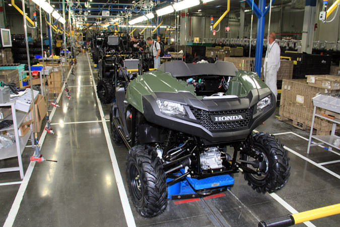 2018 Honda Pioneer 700 DELUXE Frame, Engine, Suspension - Assembly Line / Manufacturing Plant