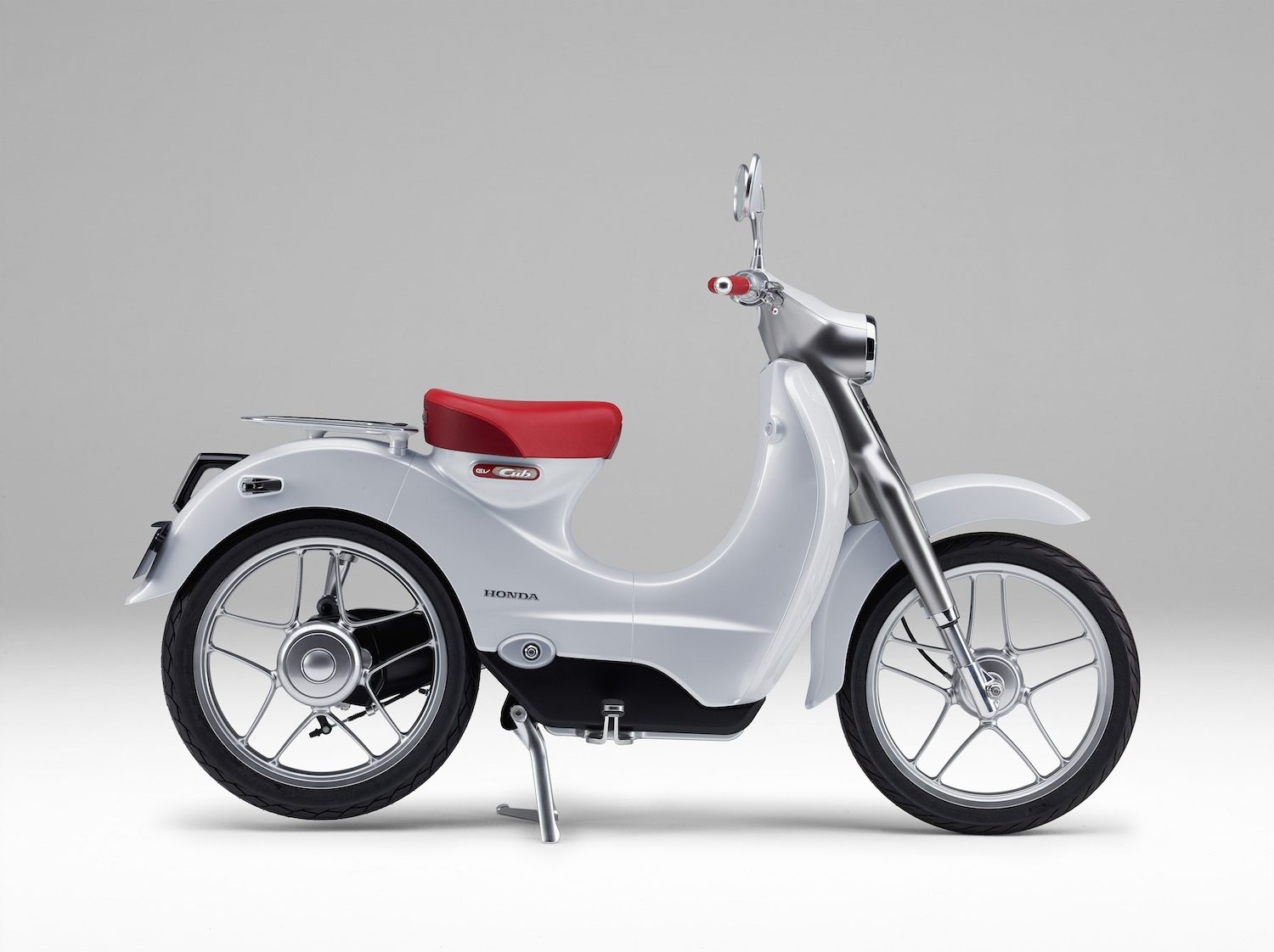 Honda EV-Cub Electric Scooter / Motorcycle Concept