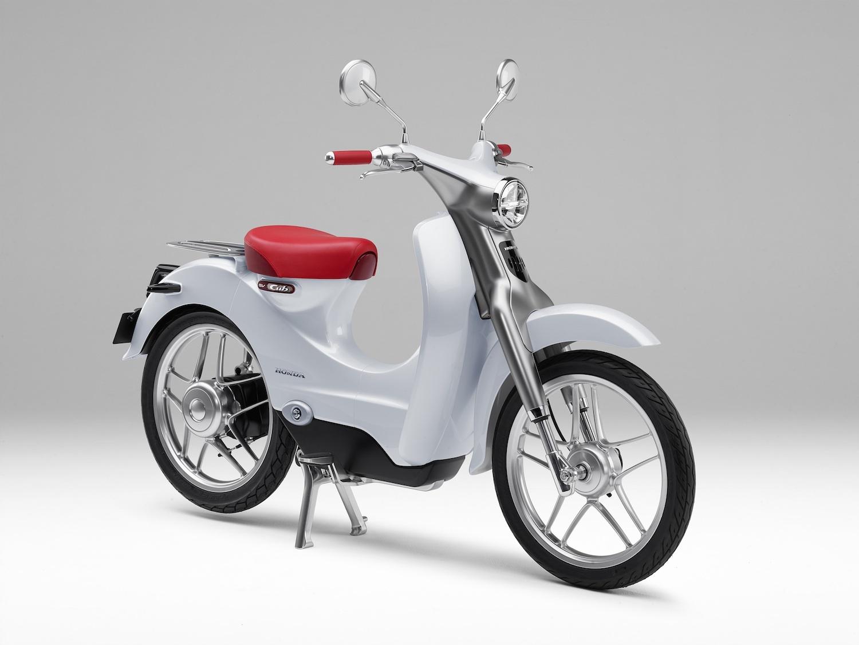 Tokyo motor show models spycam part 2 9