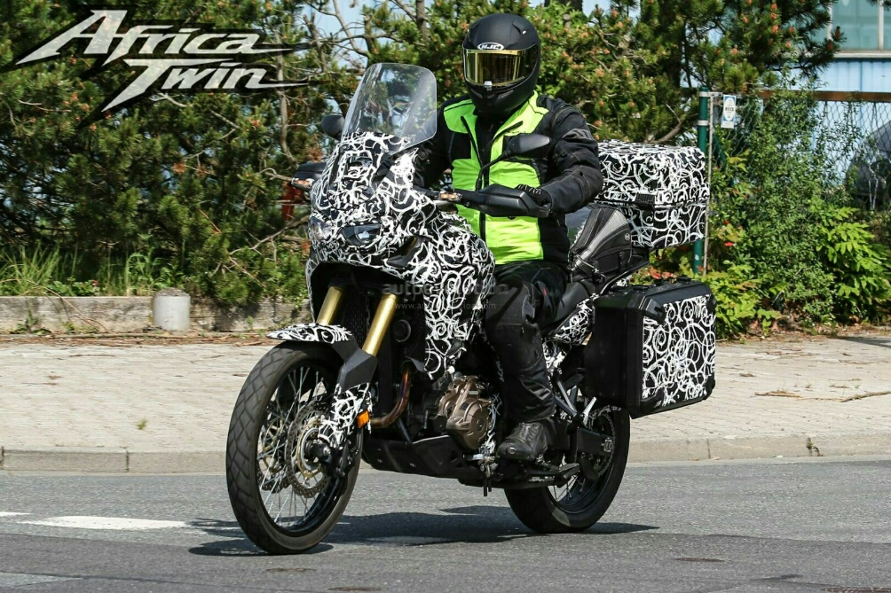 new 2016 honda africa twin crf1000l spy photos honda pro kevin. Black Bedroom Furniture Sets. Home Design Ideas