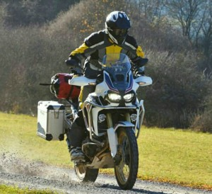 2016 CRF1000L Review | Honda Adventure Motorcycles 1000 cc