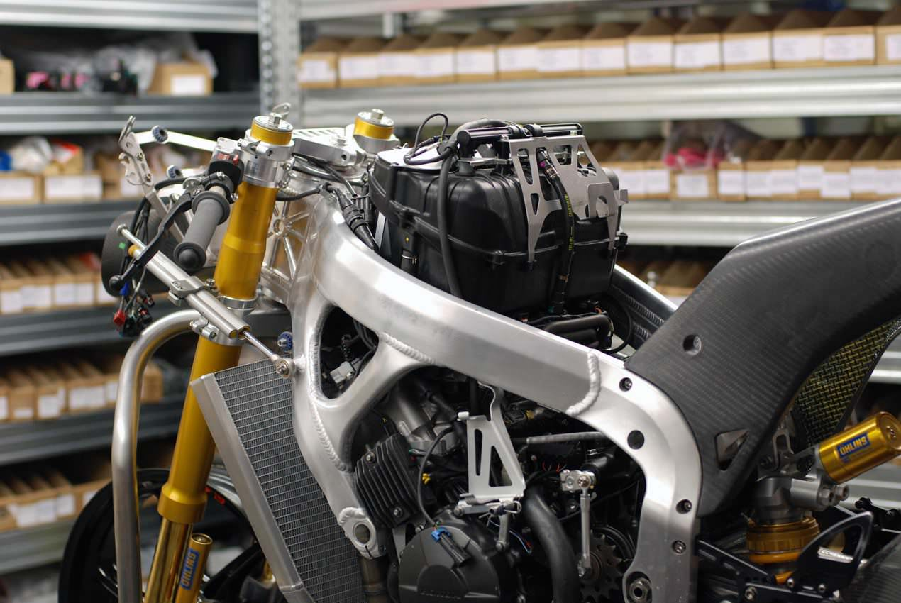 Building Moto2 Honda CBR Race Bike Engines | Take a Behind ...