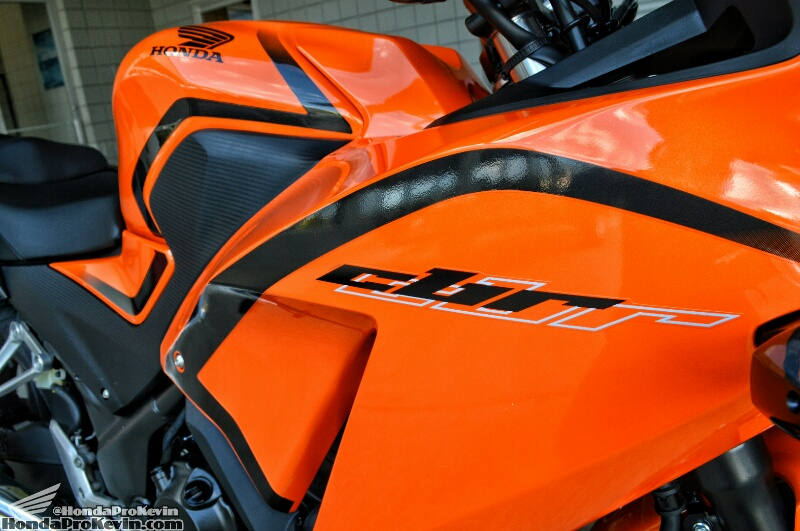 2016-Honda-CBR300R-Sport-Bike-Motorcycle-Review-Specs-Pictures-Videos-Black-CBR-300R