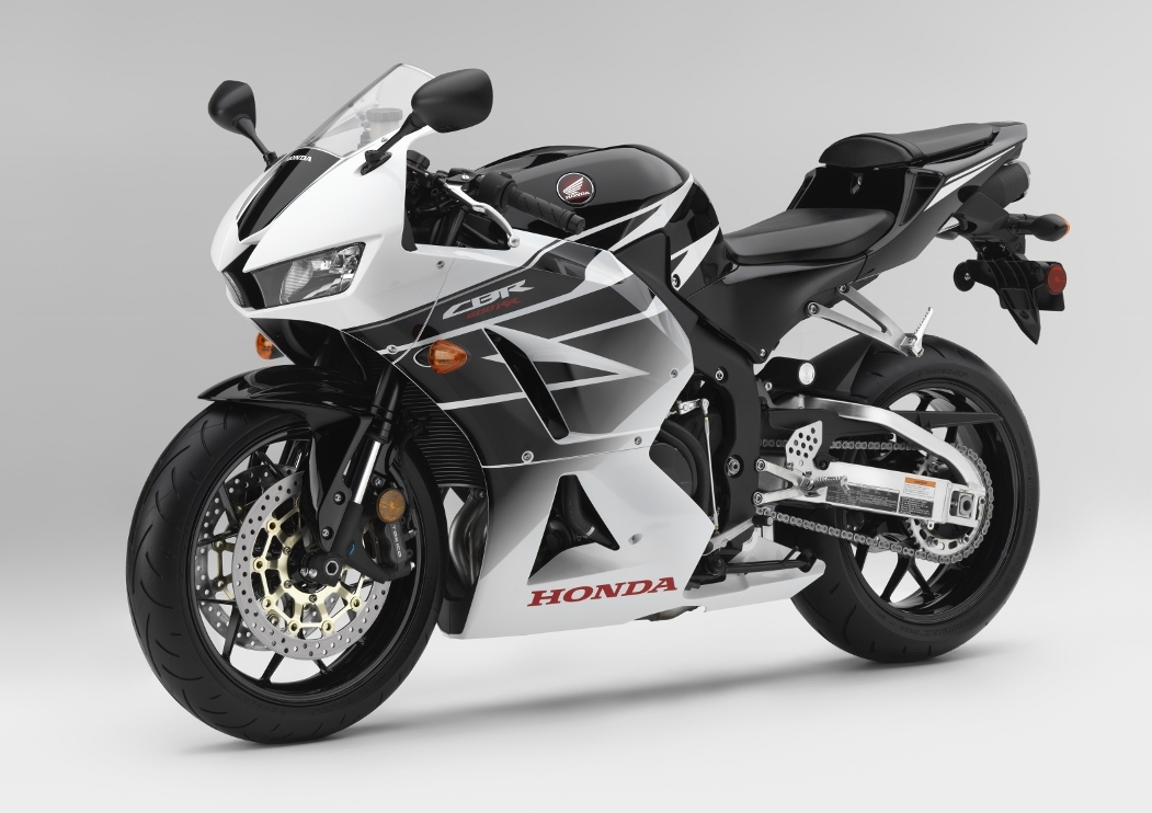 2016-Honda-CBR600RR-Review-Specs-CBR-600-Sport-Bike-Motorcycle-HP-TQ-Performance-Rating