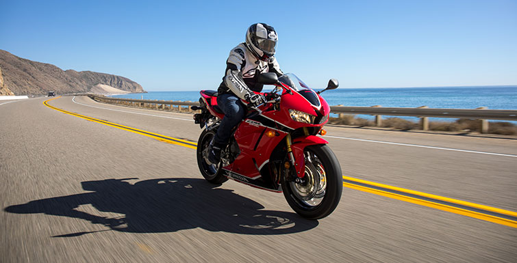 2018 Honda CBR600RR Review of Specs / Changes + R&D Info