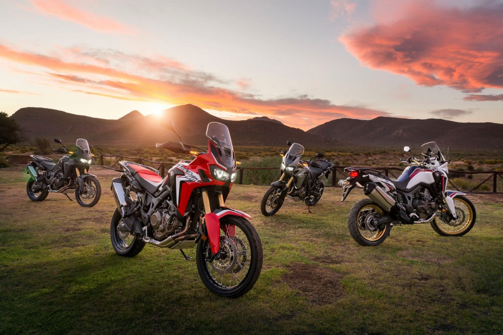 Honda-Africa-Twin-1000-Review-Specs-CRF1000L-Adventure-Motorcycle-Bike-DCT-Automatic-Option-Motorbike