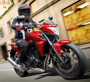 Honda-CB500F-Review-Specs-Naked-CBR-Sport-Bike-StreetFighter-Motorcycle-Horsepower-Torque-MPG-Price
