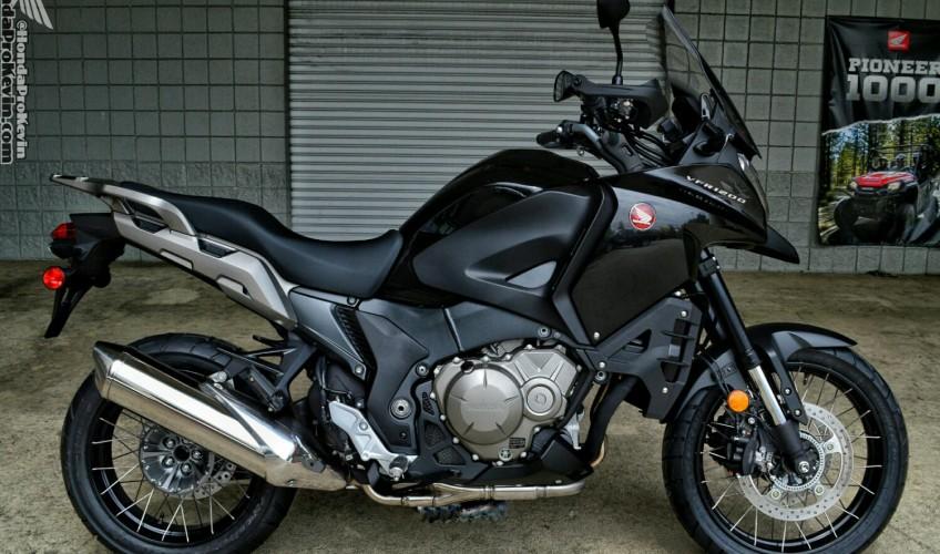 2016-Honda-VFR1200X-Review-Specs-Adventure-Motorcycle-Bike-CrossTourer-VFR-1200-X