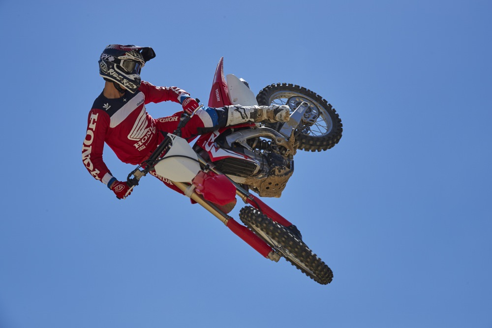2022 Honda CRF450R-S Review / Specs: Horsepower, Weight, Seat Height + More!
