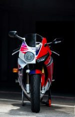 2018 Honda CBR1000RR Specs - Price, HP & TQ Changes - CBR 1000 RR Sport Bike / Motorcycle / SuperBike