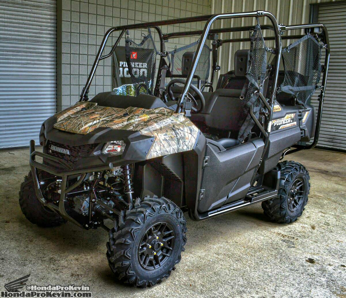 2018 Honda Pioneer 700-4 Deluxe Review / Specs - Side by Side ATV / UTV / SxS Utility Vehicle 4x4 - Phantom Camo SXS700 / SXS700M4