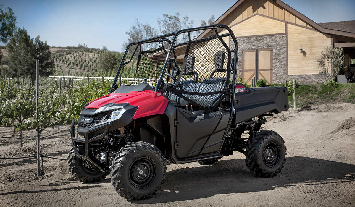 Utv Side By Side >> 2017 Honda Pioneer 700 Review | Deluxe Model Changes & Specs, Features, Accessories + More ...