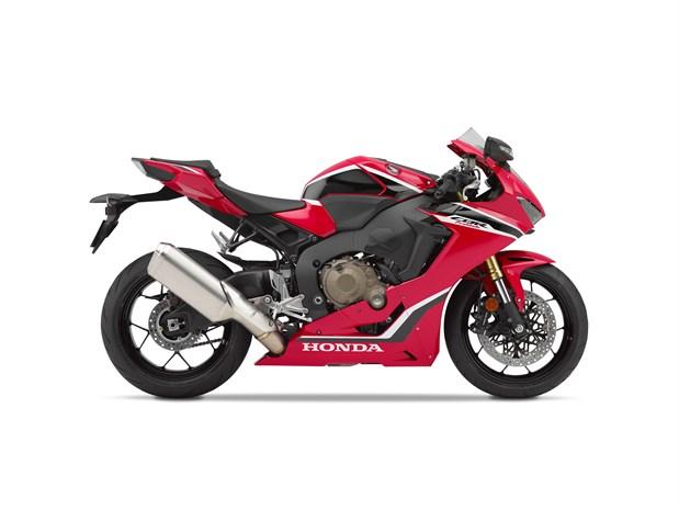 2018 Honda CBR1000RR Review of Specs / Development + R&D Info | CBR 1000 RR Motorcycle / Sport Bike