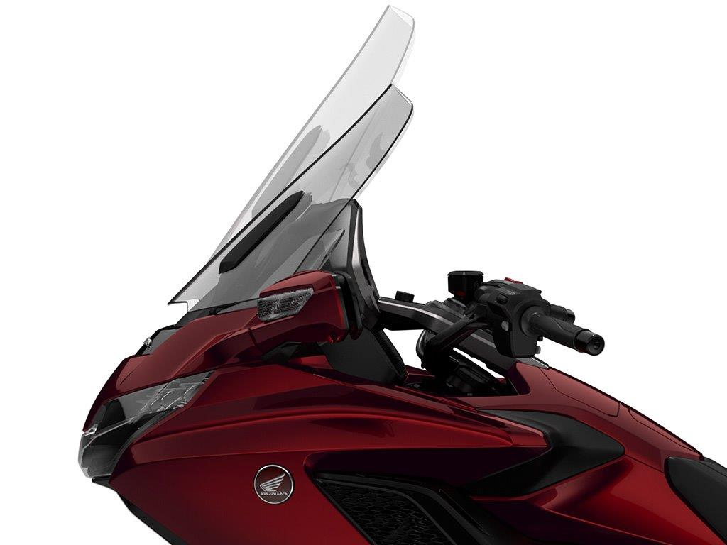 2018 Honda GoldWing Review / Specs: Adjustable Windshield