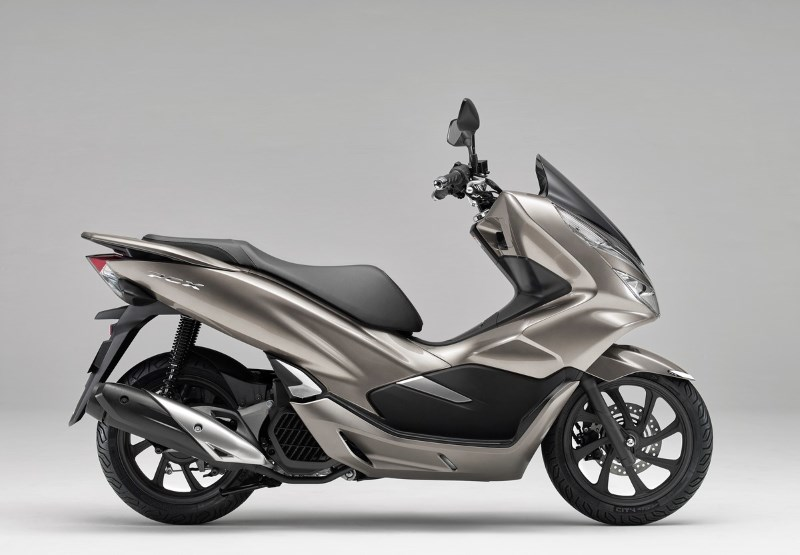 2019 PCX150 Scooter Review | Honda Scooters / Model Lineup