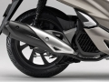 2019 Honda PCX150 Engine Review   New Changes!