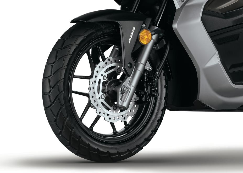 2021 Honda ADV 150 ABS Brakes | Review / Specs - Adventure Scooter / Automatic Motorcycle