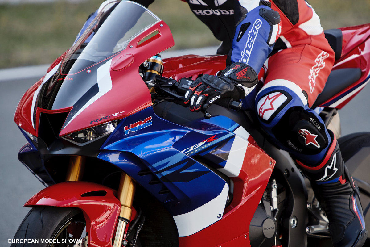 2021 HONDA CBR1000RR-R SP Fireblade Ride / Action