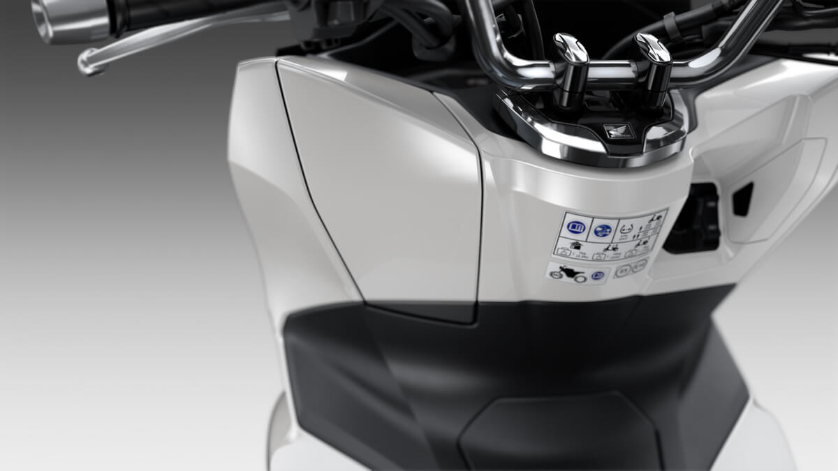 2021 Honda PCX Scooter Review / Specs | NEW Storage Compartment