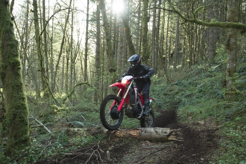 2022 Honda CRF450X Ride Review / Specs | NEW 2022 Honda CRF 450 Dirt Bike / Motorcycle Buyer's Guide!