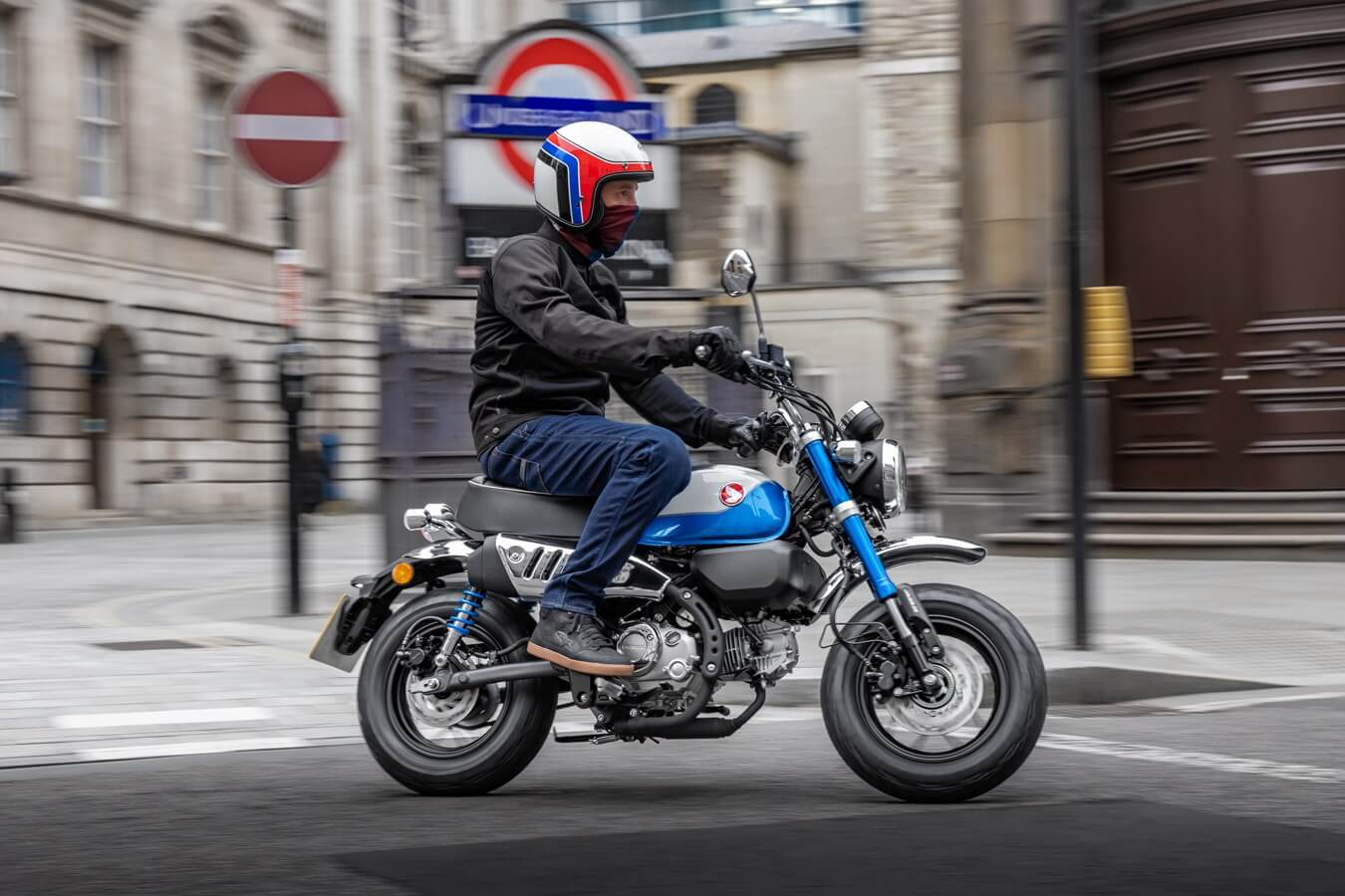 2022 Honda Monkey 125 Ride - Review, Specs, New Changes Explained + USA Information   125cc Motorcycle / Mini Bike   miniMOTO Vintage / Retro Bike
