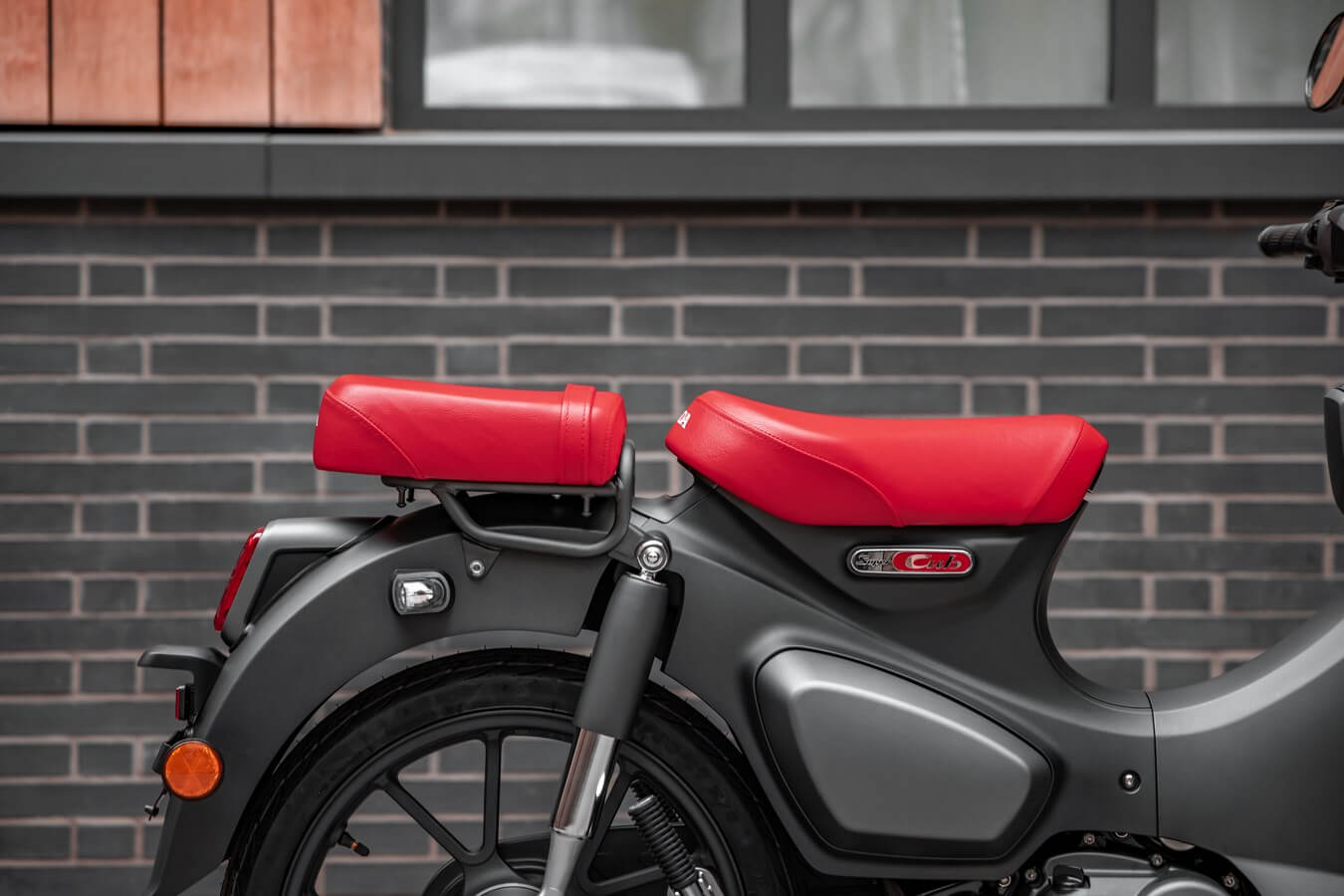 2022 Honda Super Cub 125 Review, Specs, New Changes Explained and more! | C125 Vintage / Retro Style Honda Automatic Motorcycle Scooter