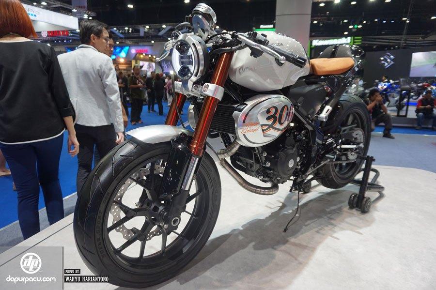 2017 Honda 300 TT Racer Concept Motorcycle - Vintage / Retro Style Bike