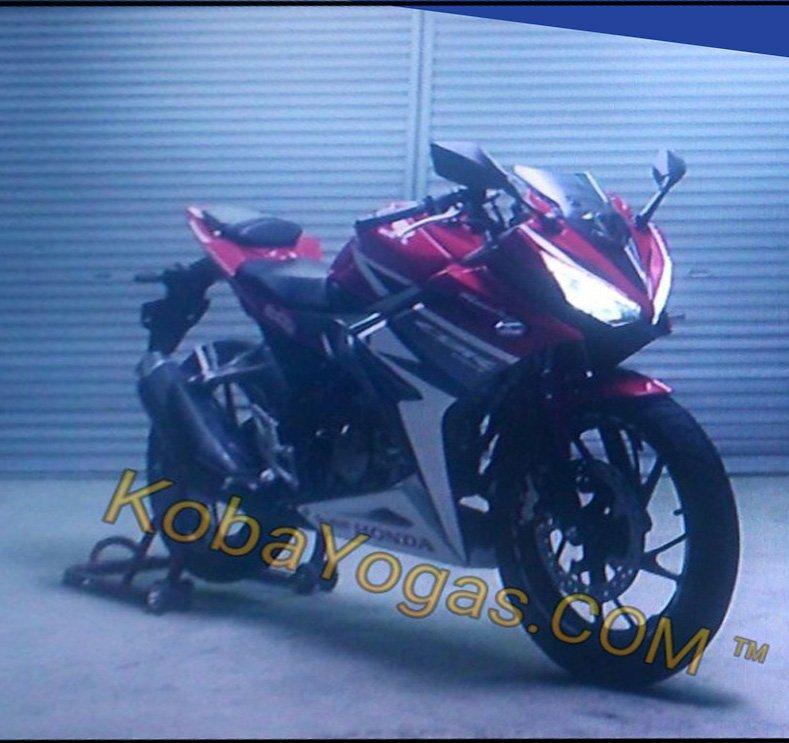 Leaked 2017 Honda CBR Sport Bike / Motorcycle Spy Photos / Pictures / News - CBR150R