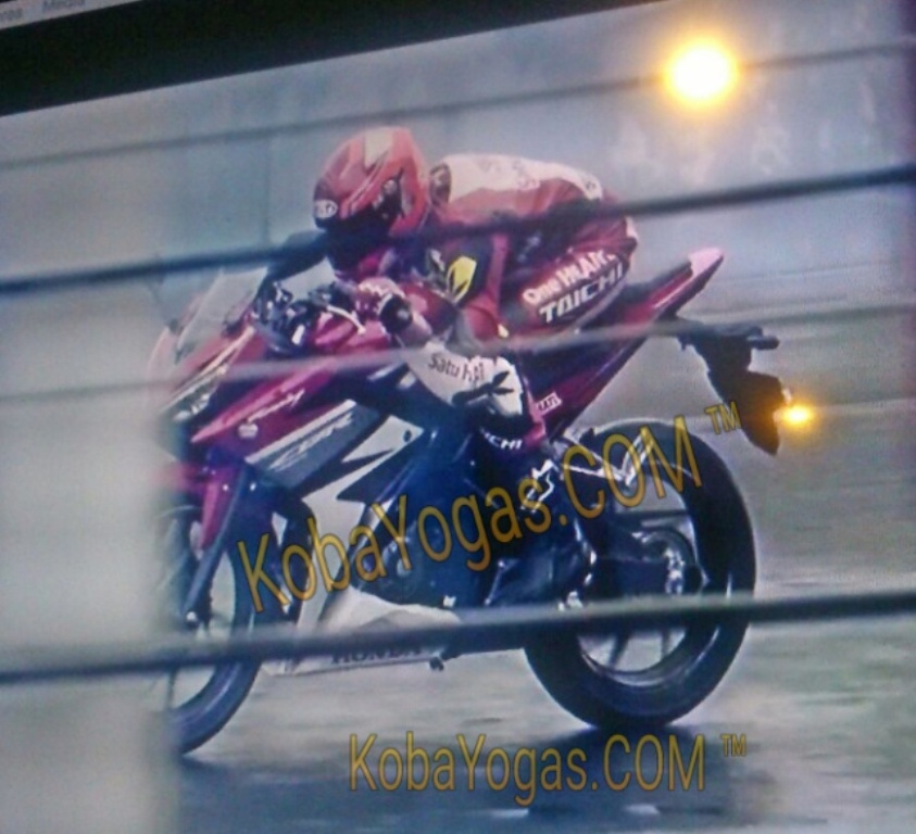 2017 Honda CBR Sport Bike / Motorcycle Spy Photos / Pictures / News - CBR150R
