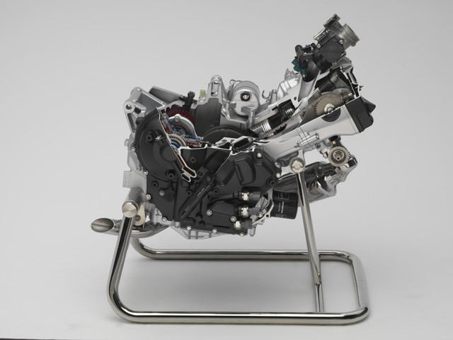 Honda CTX / NC 700 Engine Review - Specs - Cutaway Picture