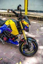 custom-honda-grom-msx125-blue-exhaust-wheels-swingarm-cowl-fairings-lowered-headlight-carbon-fiber-4