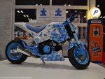 custom-honda-grom-msx125-blue-white-exhaust-wheels-cowl-plastics-body-fairings-
