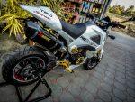 white-honda-grom-msx125-custom-exhaust-carbon-fiber-seat-cowl-plastics-fairings