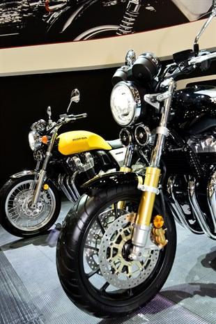 New 2017 Honda Motorcycles / Models Released - 2017 Honda CB1100 RS / EX
